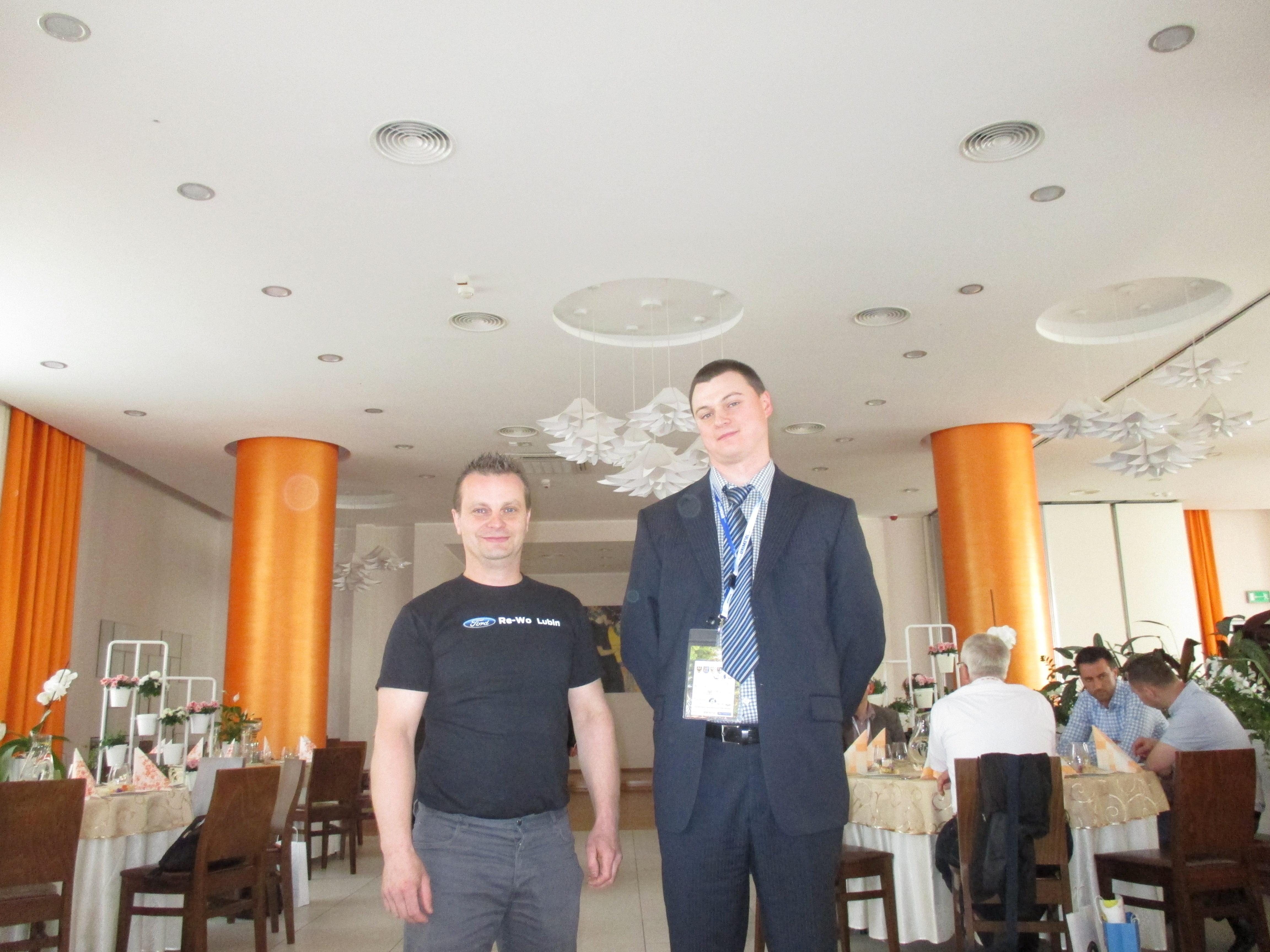 I Mistrz Diagnostyki - Kol. Łukasz Ciepiela z SIMP Tarnów (z lewej strony) oraz Kol. Dariusz Ostrowski z PZM-ot OZDG Wrocław (z prawej strony) po oficjalnym ogłoszeniu wyników